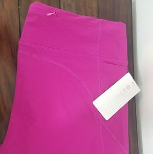 Athleta Pink Action Crop Size XL New With Tags